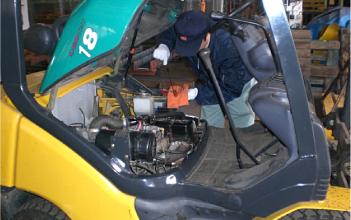 産業機械整備作業